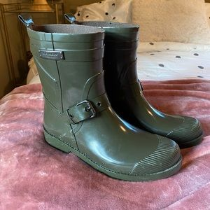 Coach women's army green shirt rain boots